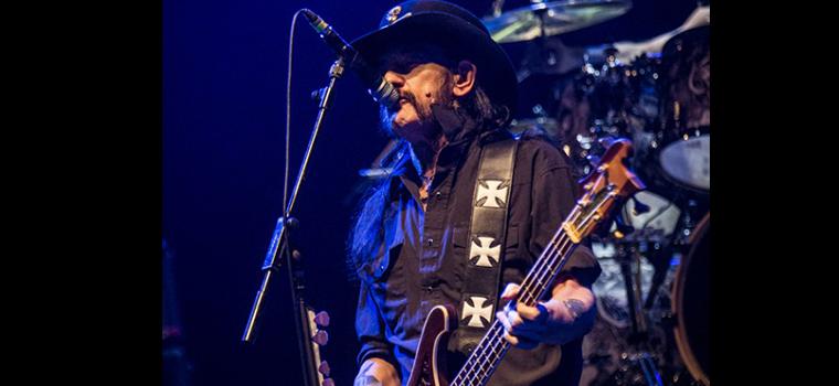 """Motorhead: Lemmy, """"Se i terroristi ti fermano, allora vincono loro. Io avrei suonato"""""""