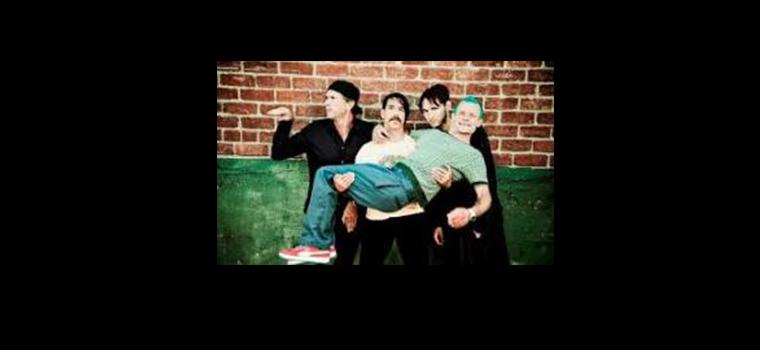 """I Red Hot Chili Peppers suonano live """"Aeroplane"""" per la prima volta dagli anni Novanta"""