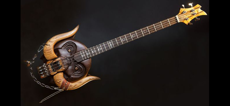 MOTÖRHEAD: due bassi artigianali in onore di Lemmy